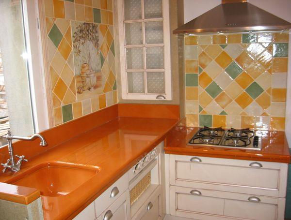 Cuisine lave emaill e sur mesure plan de cuisine carrelage - Carrelage cuisine plan de travail ...