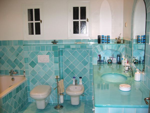 Salle de bains turquoise carrelages sette for Carrelage turquoise
